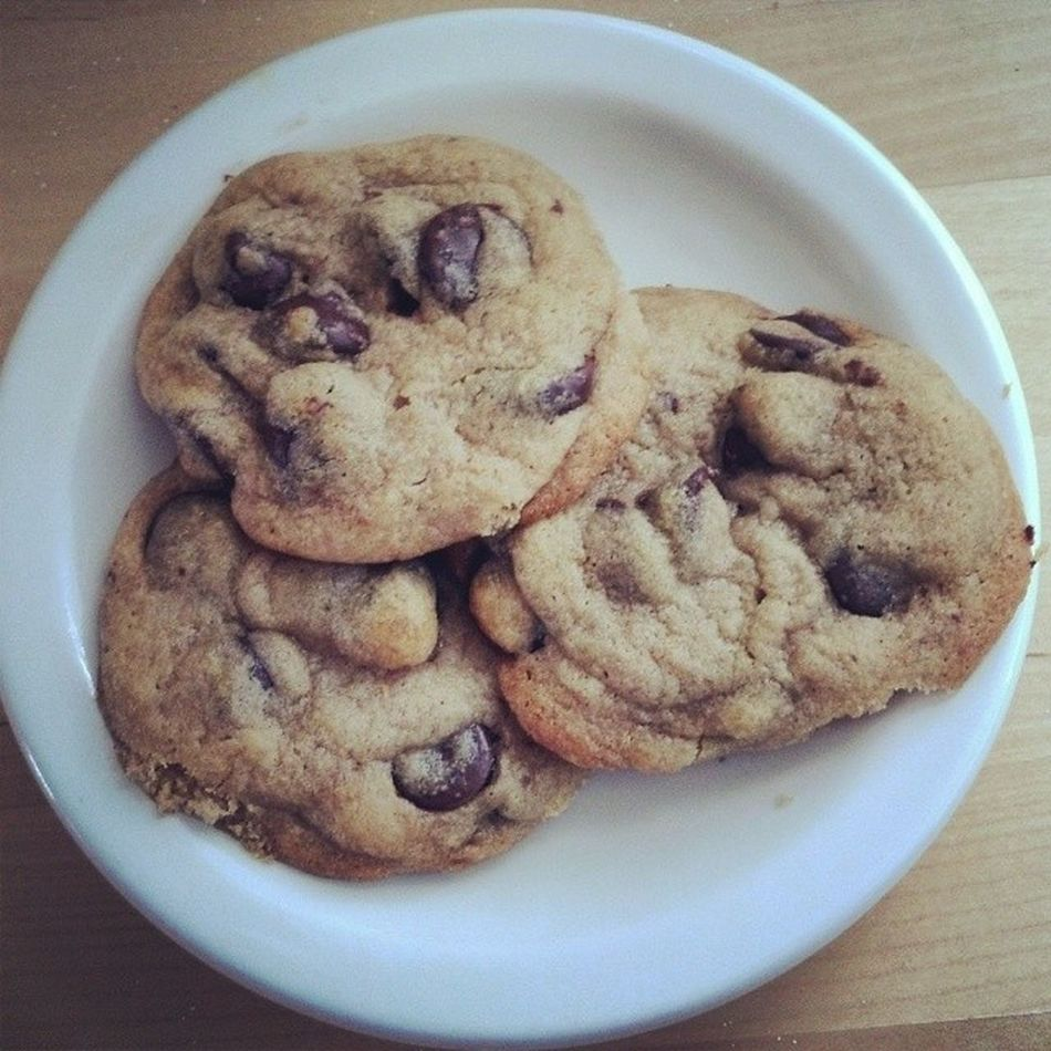 Breakfast for champions. my first ever batch of chocolate chip cookies. Bfast Cookies HappyFriday