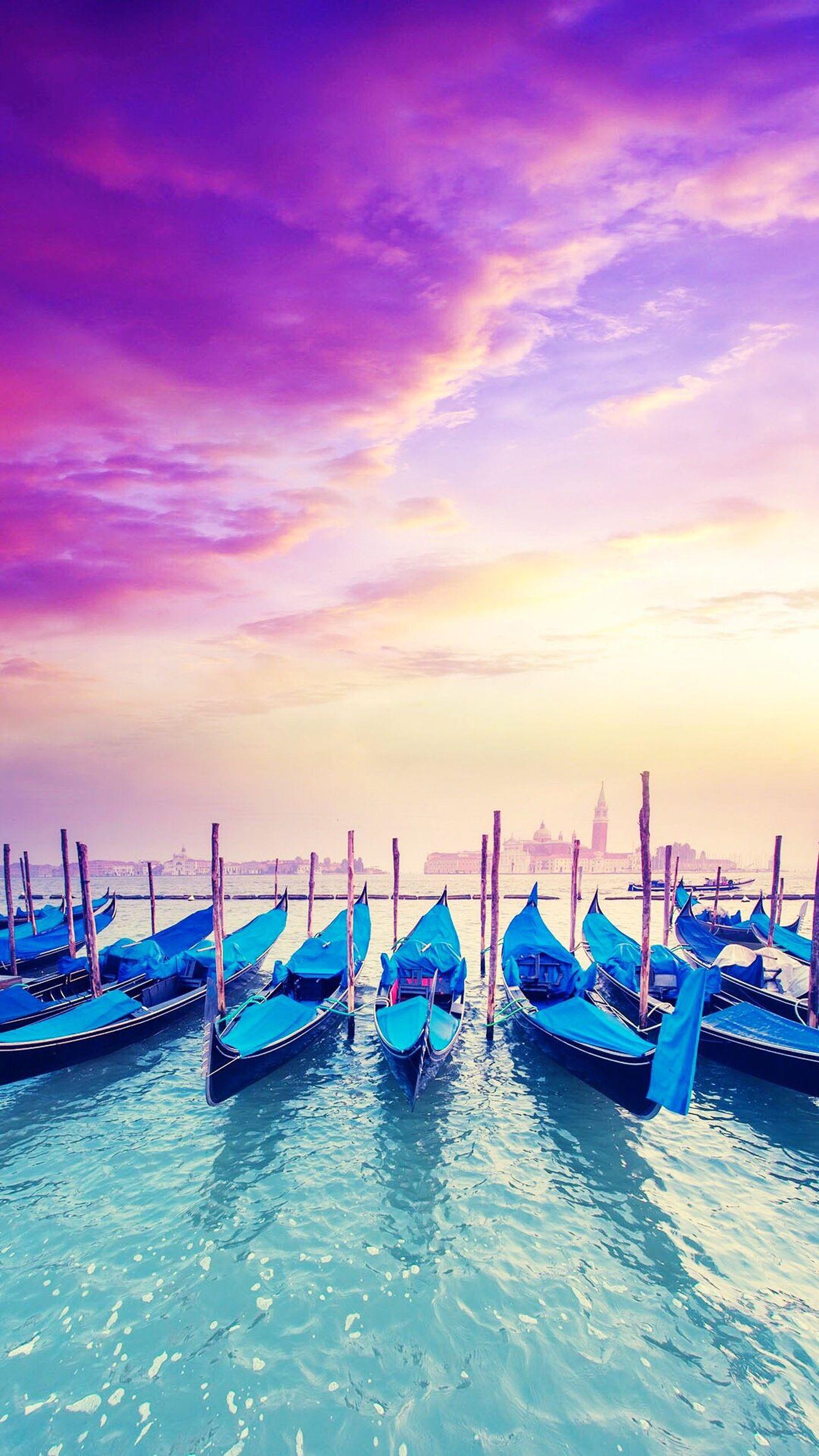 💕🇮🇹✈️☀️ Gondola Venice Photography Scenery Beautiful Italy View Culture Travel Love Romance Ocean Sea Sun Italian Rialtobridge