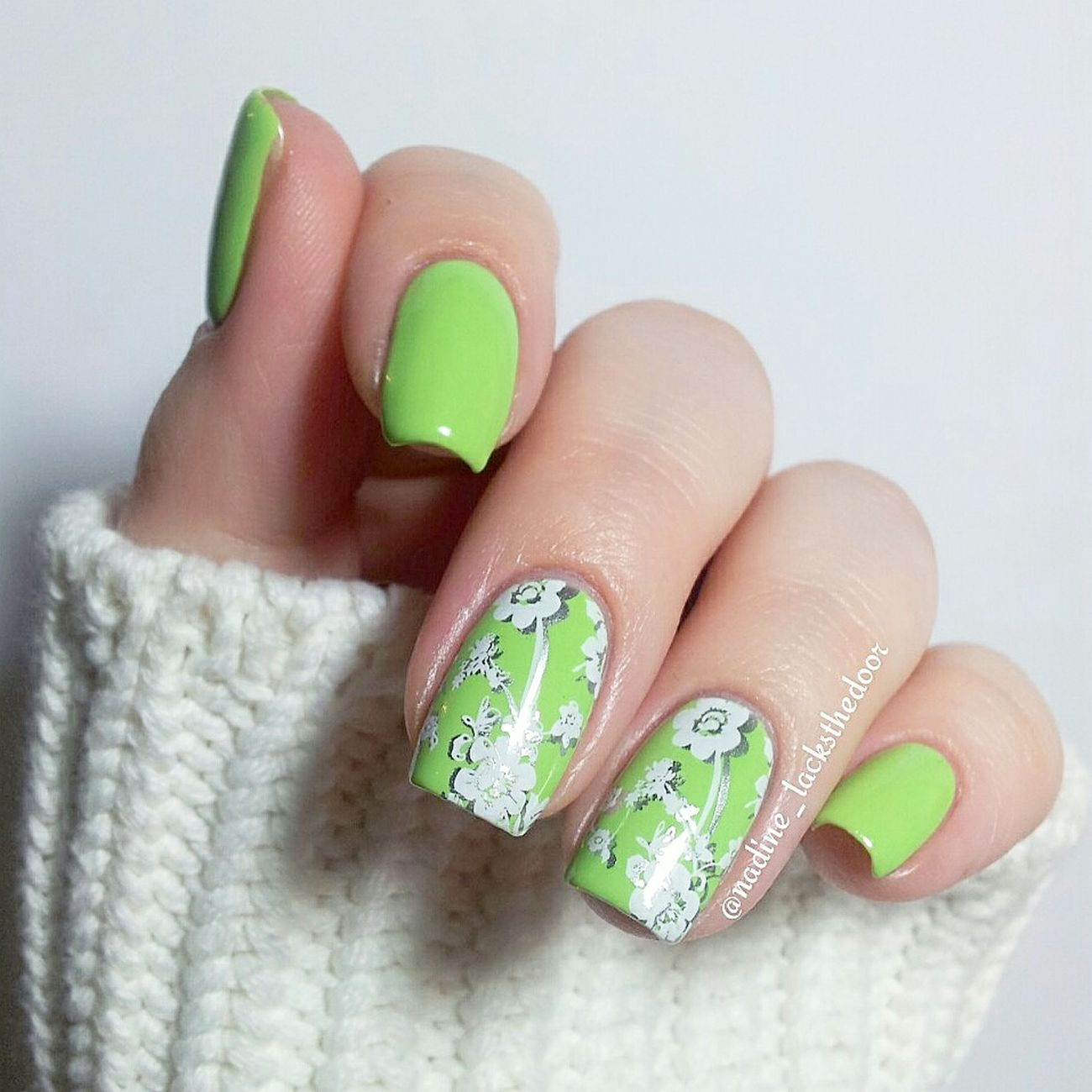 Essie Essievibrantvibes Moyou Moyouproxl12 Essienoplacelikechrome Essence Doublestamping