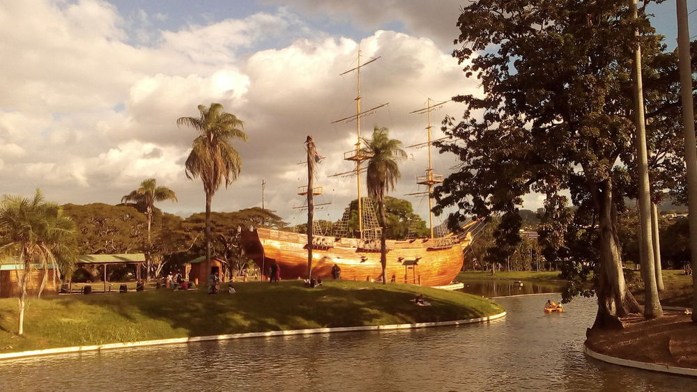 The Leander. Francisco De Miranda's Boat Outdoors Water Palm Tree Nature Incredible VenezuelanPhotographer ParqueDelEste Beautiful View Boats⛵️ Franciscodemiranda