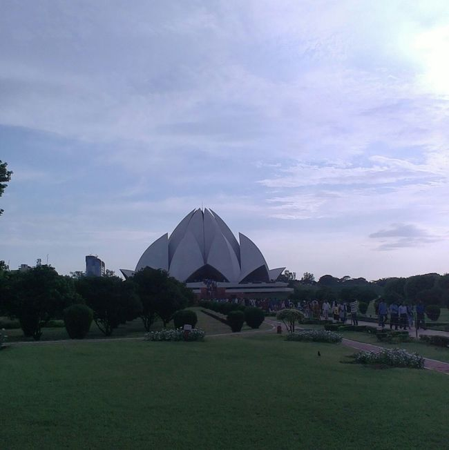 Evening Time Relaxing Taking Photos Check This Out Lotustemple Itsamazing
