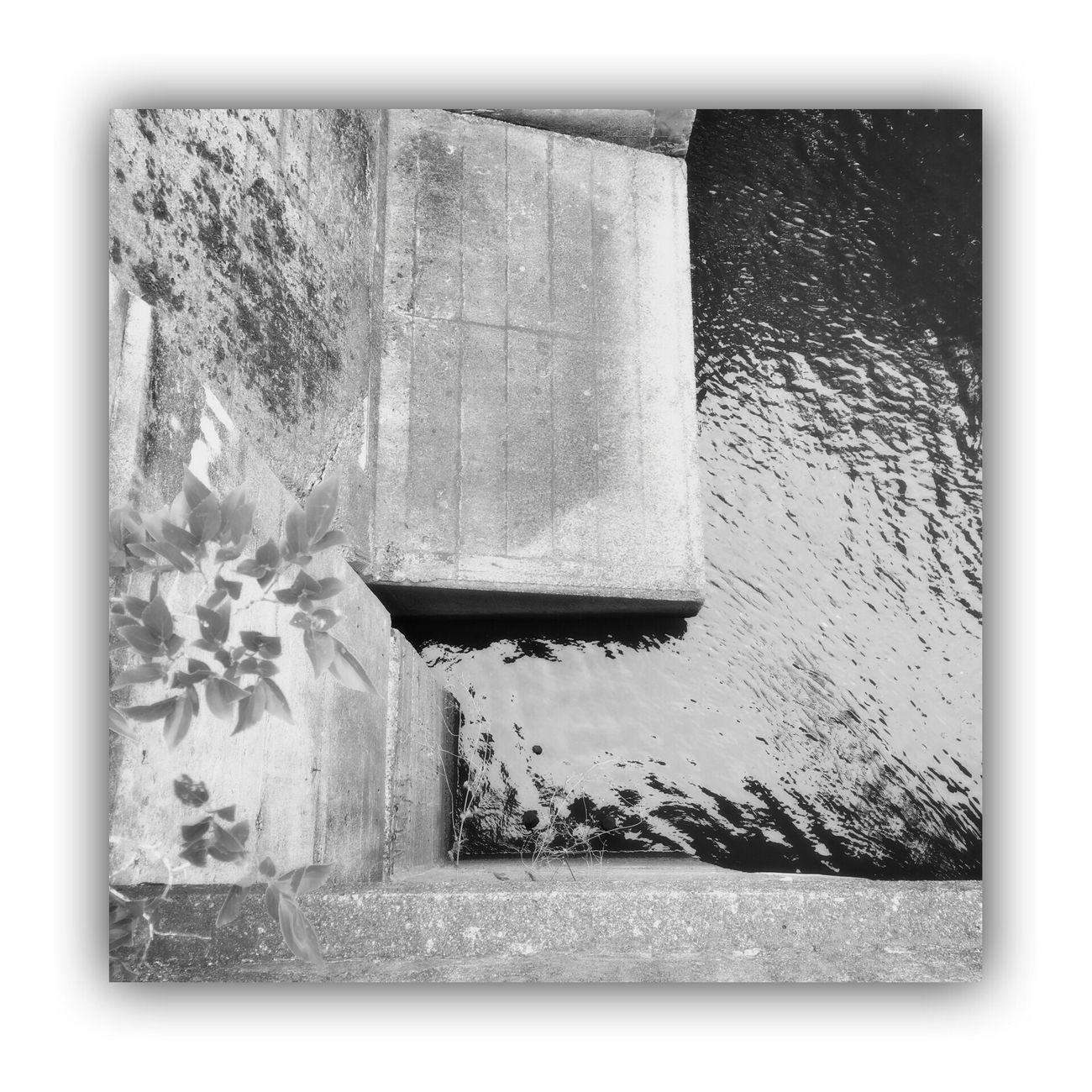 「川を橋の上から撮る。」 I Took The Rivers From On The Bridge River Bridge Monochrome_life Light And Shadow Monochrome Blackandwhite The Week Of Eyeem