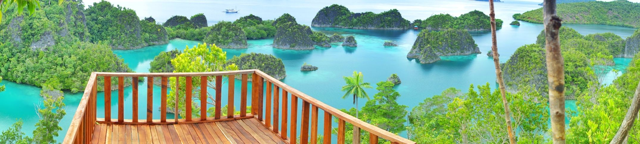 took this Panorama when i was in Raja Ampat Papua INDONESIA i really want to go back ?