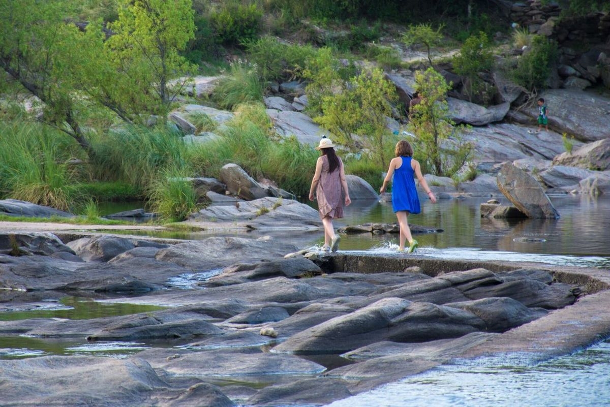 Rio Cosquin Walking Tree Nature Real People Outdoors Rock - Object Women Beauty In Nature Water People