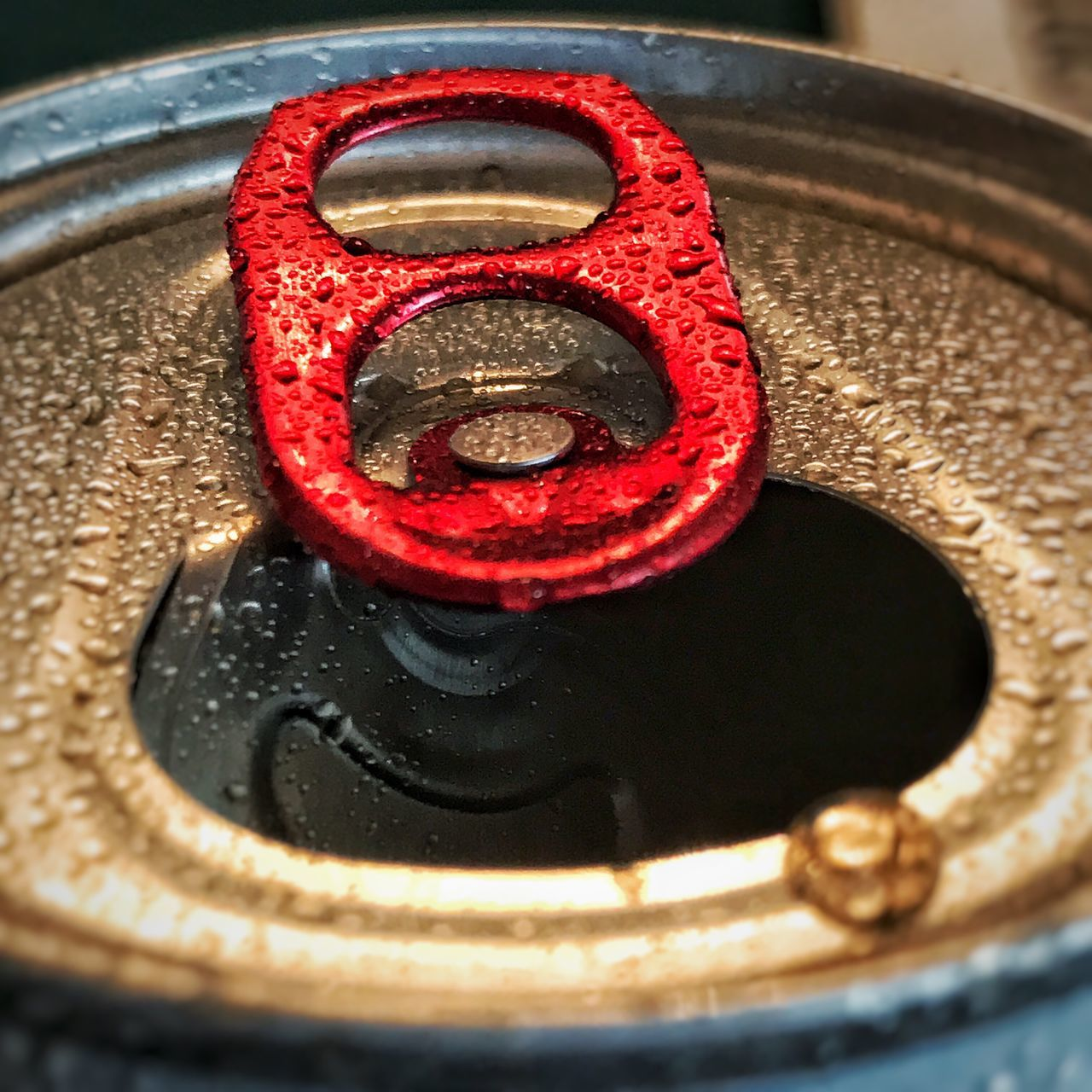 metal, drink can, no people, close-up, water, red, shiny, drink, day