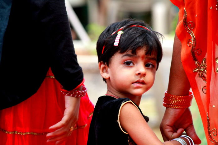 Candid Photography Cutiepie Indian Culture  Mom And Daughter Parents ❤❤❤ People People And Places Red And Black