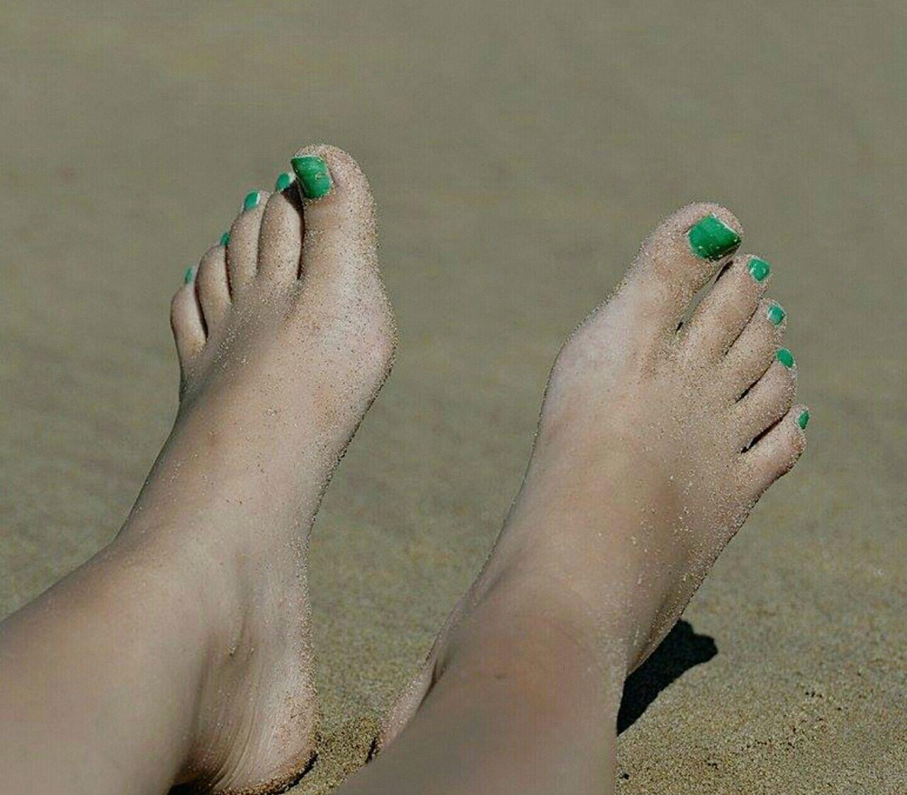 Onthebeach Summertime Summertan Taking Photos Hanging Out Relaxing Enjoying Life Nikond610 Shoothemall Green