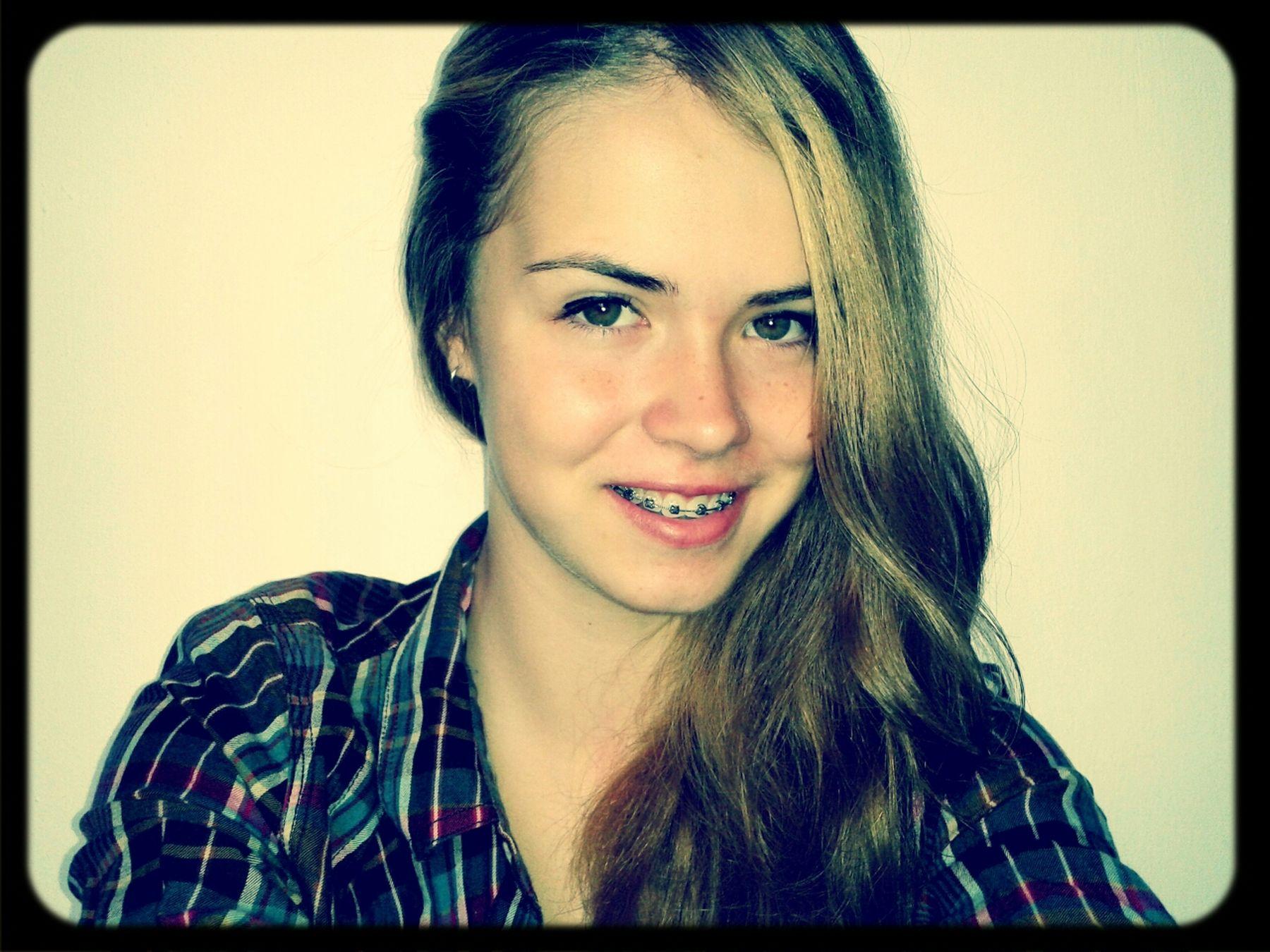 Me Brown Eyes BrownHair Smile :)