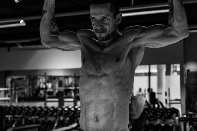 6% Bodyfat.. looks good? i think yes Alternative Fitness Black & White Body & Fitness Body Part Bodycurves Focus On Foreground Hardbody Muscles Shadow And Light Sharp Sportsphotography Showcase April