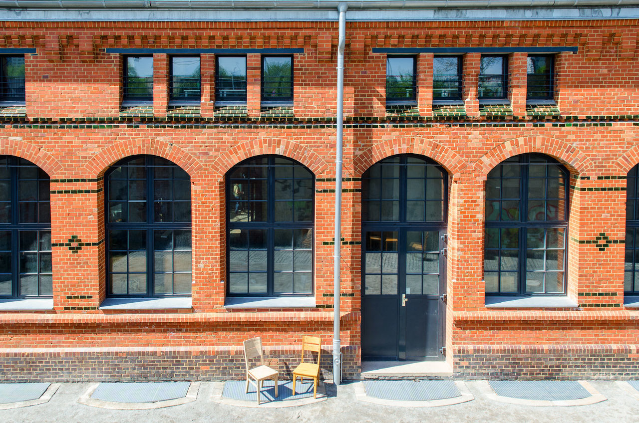window, architecture, building exterior, outdoors, brick wall, no people, built structure, day