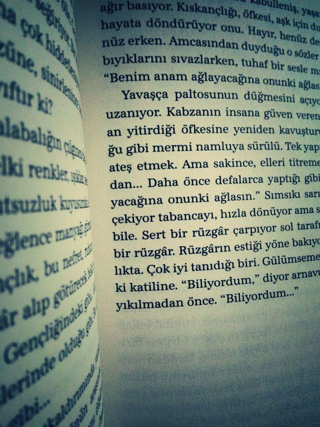 Books Book Ahmetümit Reading A Book beyloğlu'nun en güzel abisi...