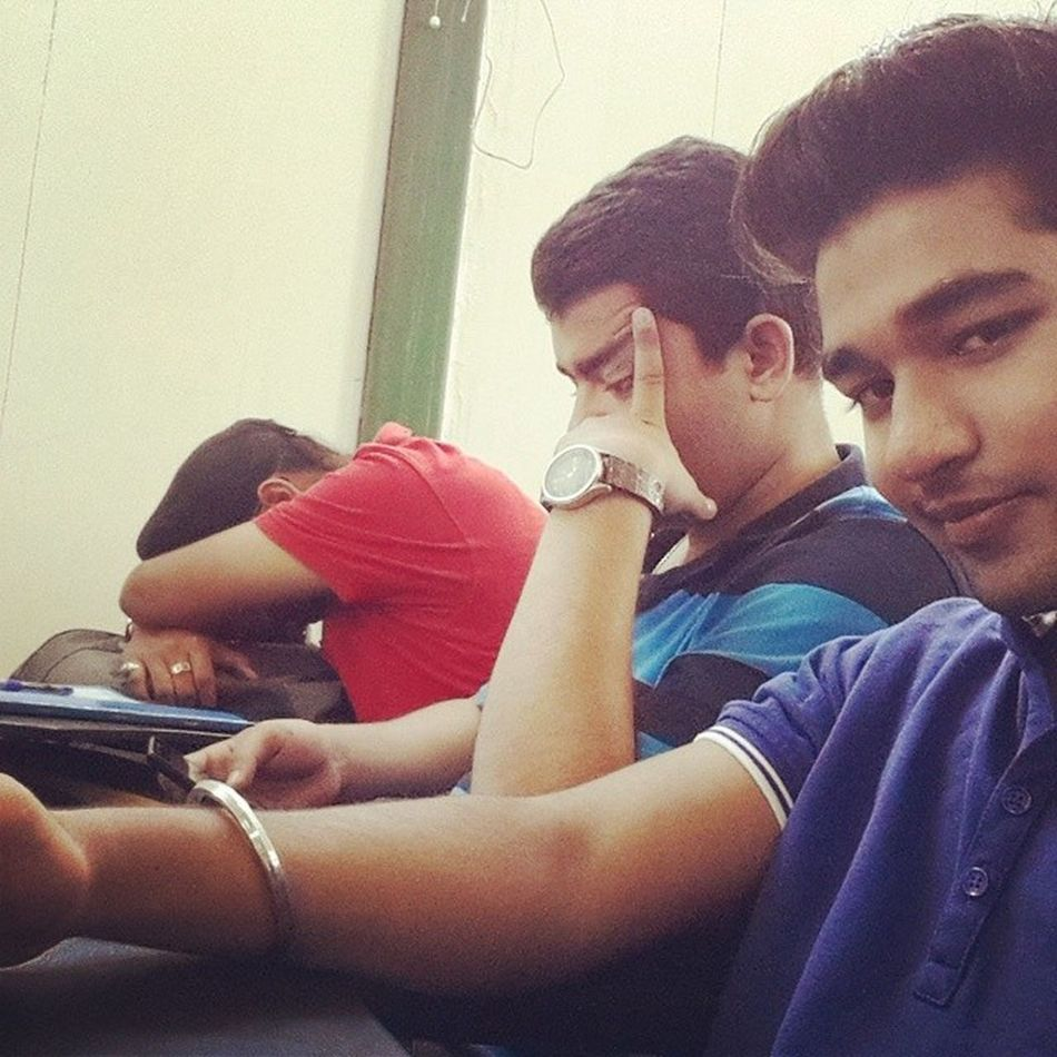 1st day of lecture and our frnd rawneet had a great sleep Fully_blessed SriSriUniversity