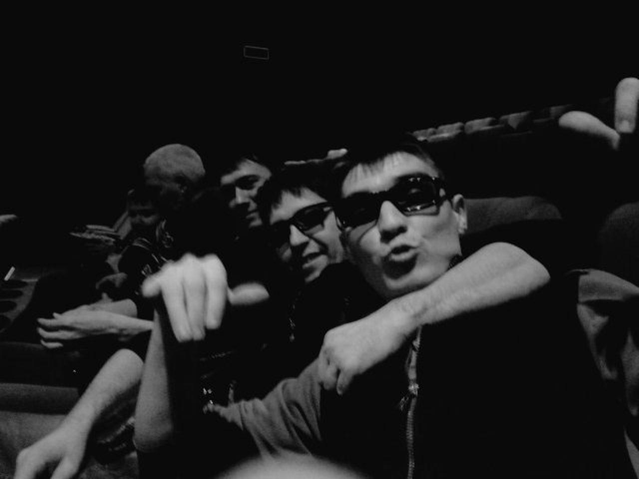 #cinema #ducklips #friends #selfie Friendship Lifestyles Looking At Camera Portrait