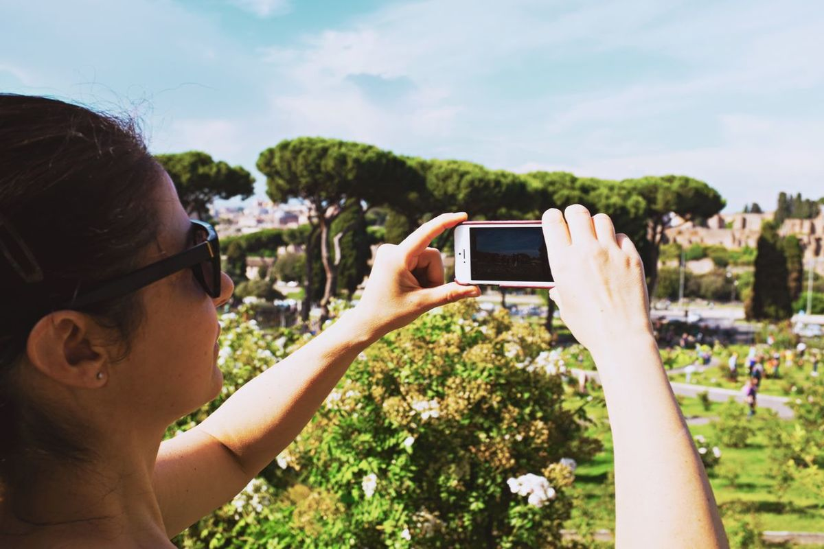 iPhoneography // Priimephoto Priime Fuji X100s FUJIFILM X100S X100S Enjoying The Sun Rose Garden Garden Park IPhoneography