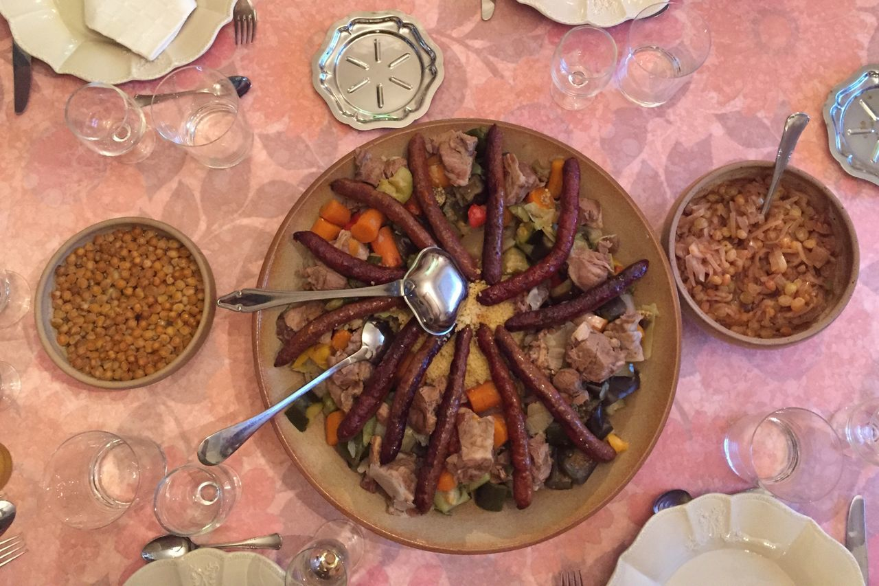 Food Table Dinner Plat Couscous Couscousfest Merguez Diner Time  Diner Couscous Time  Repas Semoule Couscousparty Couscous_Time Repas De Famille  Nourriture Ready-to-eat Plate