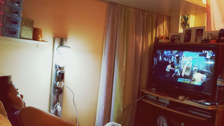 enjoying her new smart 3g tv!! Pahingadinpagmaytime