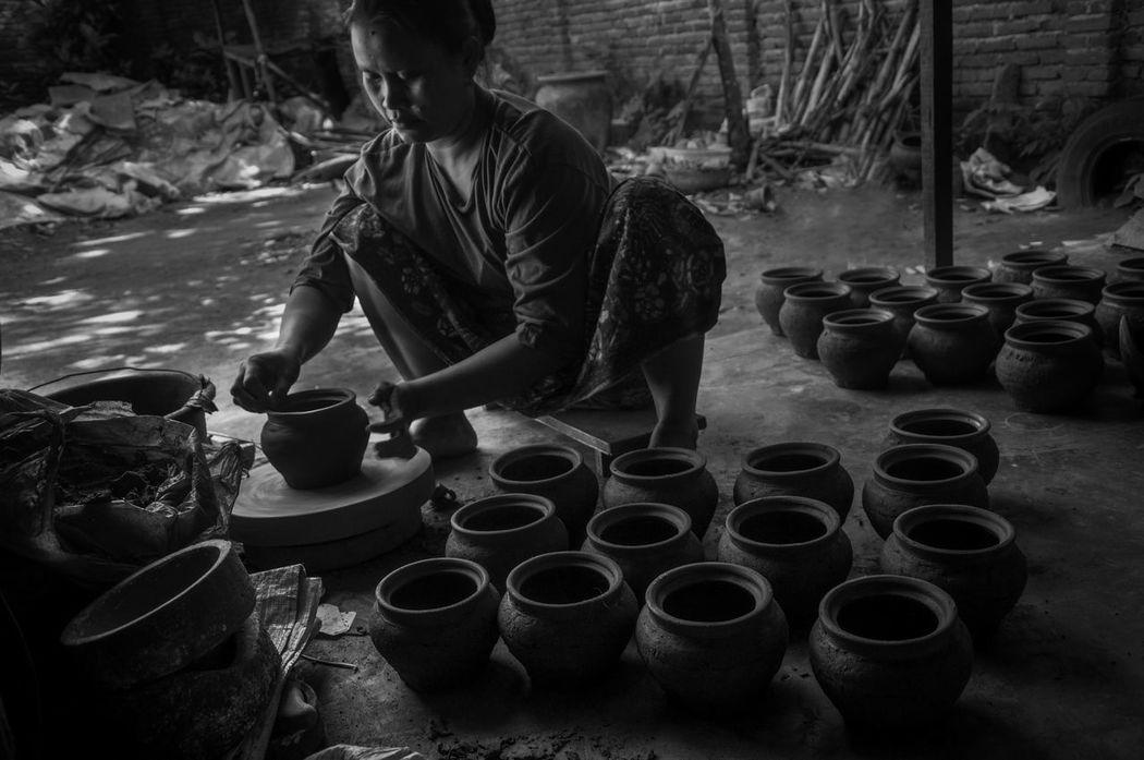 The pottery Pottery Pottery Art Potterymaking Pottery Maker Pottery Village Arts And Crafts Artists Art Arts