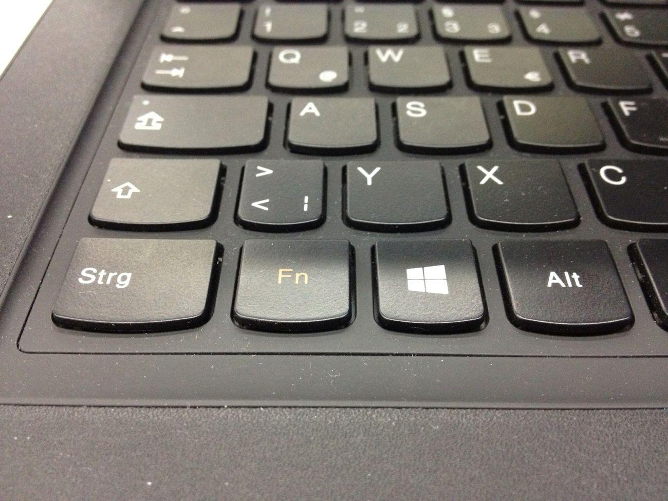 """Windows 8 Tablet Convertible Lenovo Yoga 13"""""""