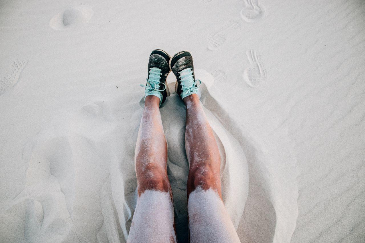 Legs Sandy Beach Dunes Tomboy Girlslegs Takkies