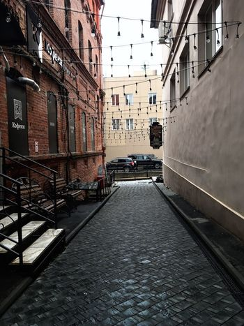 Architecture Building Exterior The Way Forward Residential Structure Diminishing Perspective Empty Narrow Vanishing Point Alley Day Residential District Walkway Outdoors Sky