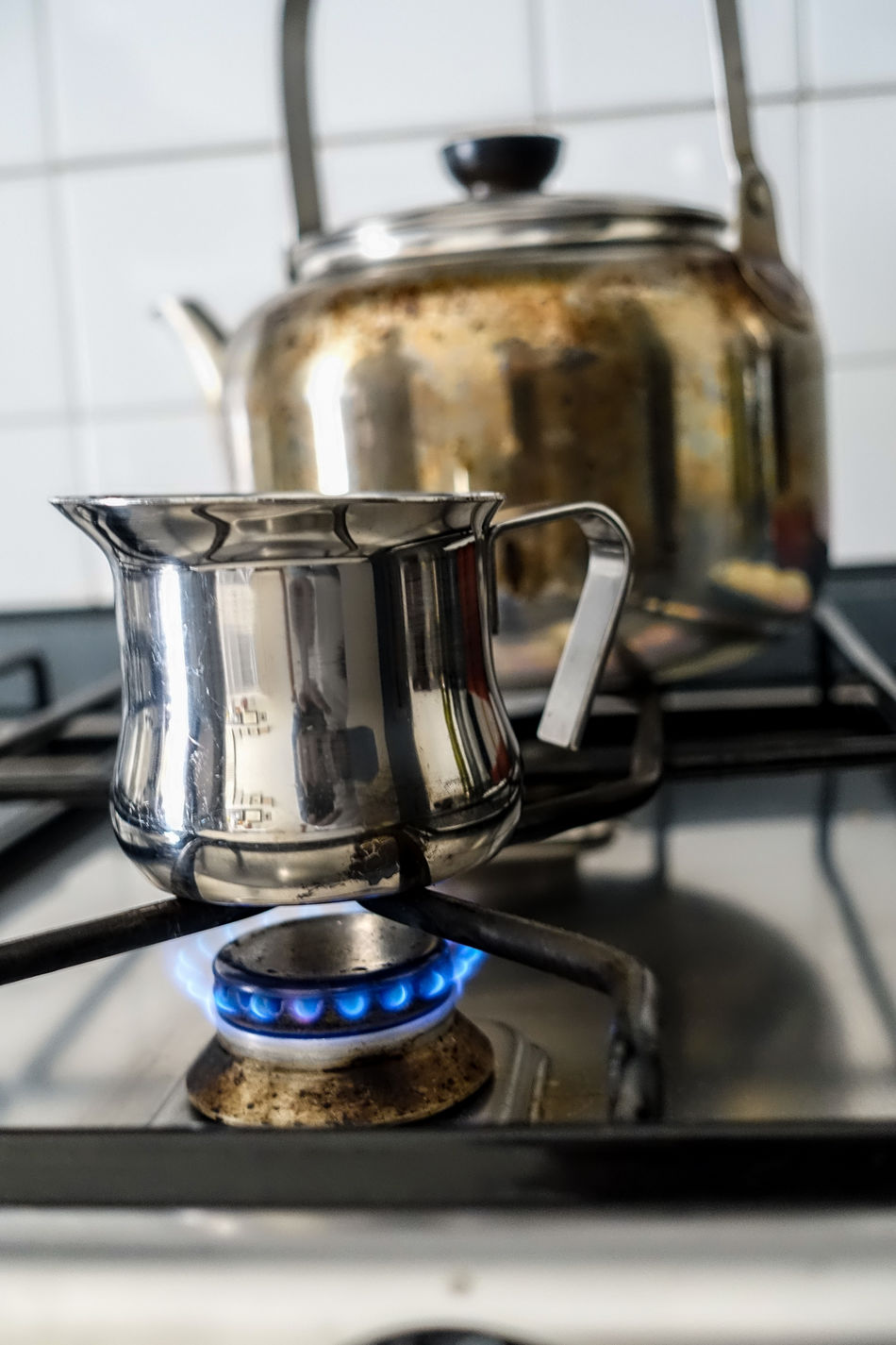 Appliance Burner - Stove Top Burning Camping Stove Close-up Cooking Utensil Day Domestic Kitchen Domestic Life Domestic Room Espresso Maker Flame Food Food And Drink Gas Gas Stove Burner Heat - Temperature Home Interior Indoors  Kitchen Kitchen Utensil Metal No People Preparation  Stove