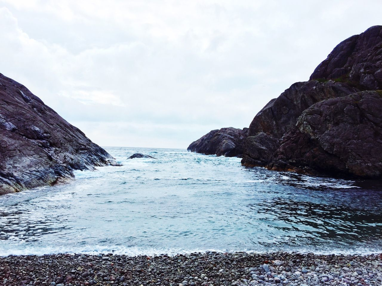 nature, sea, rock - object, water, sky, beauty in nature, tranquility, no people, outdoors, scenics, tranquil scene, day, horizon over water