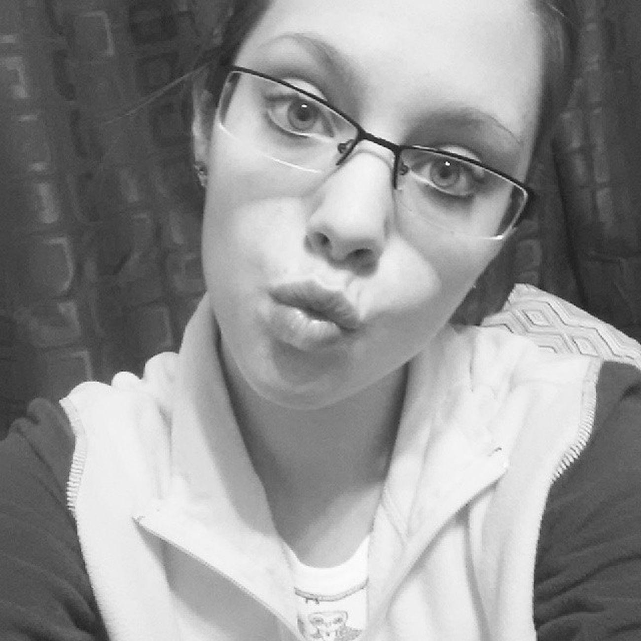 Late night selfie! Tired Bored Austinsasleep Wah @austin_dingess