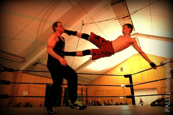 wrestling at Spielbank Bad Harzburg by PALLEphotographic