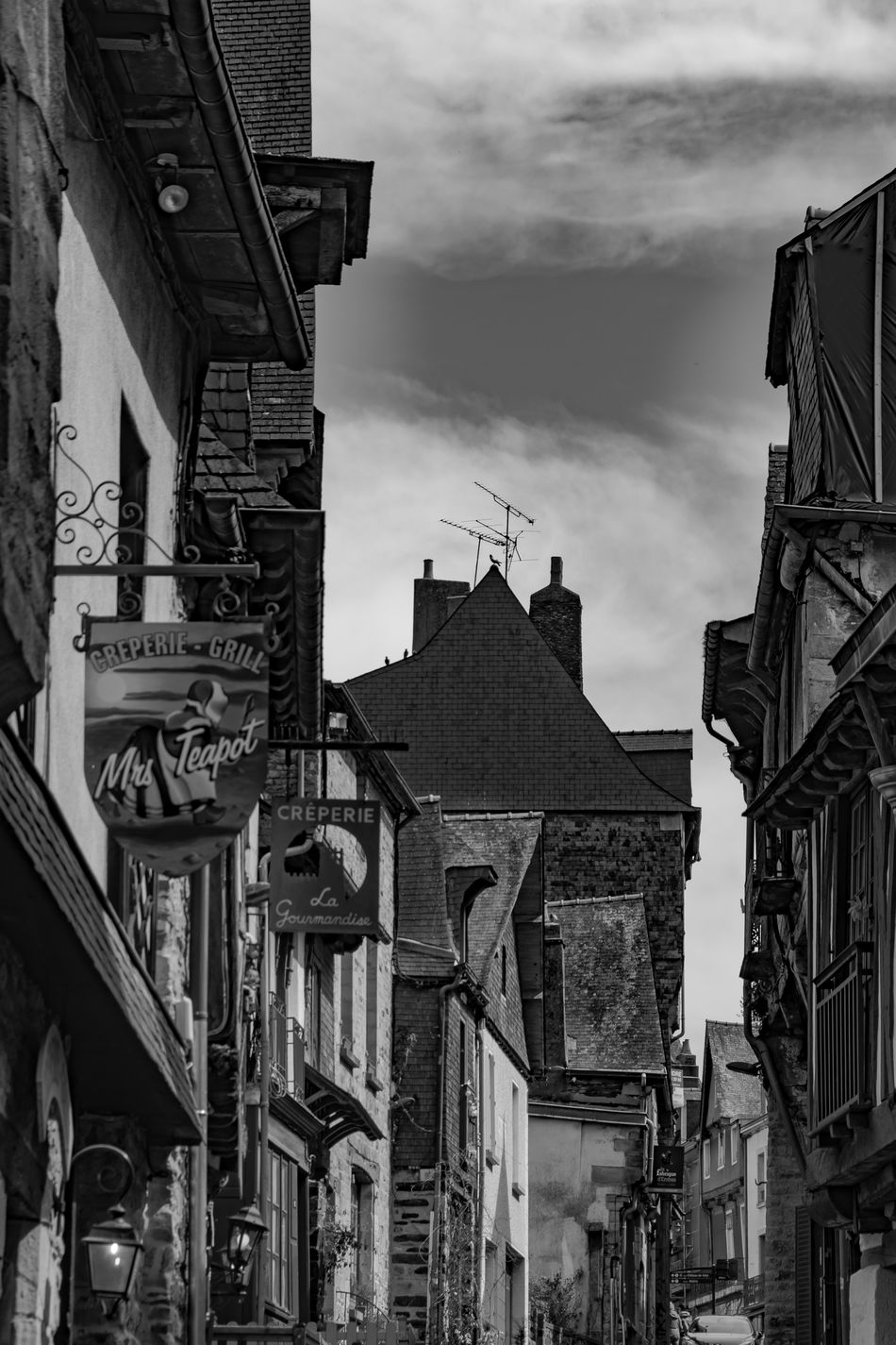 Architecture Black And White Black And White Photography Black&white Blackandwhite Blackandwhite Photography Built Structure City Cloud Cloud - Sky Historical Historical Building Historical Sights Outdoors Promofoto PromoPhoto Sky Torce Travel Destinations