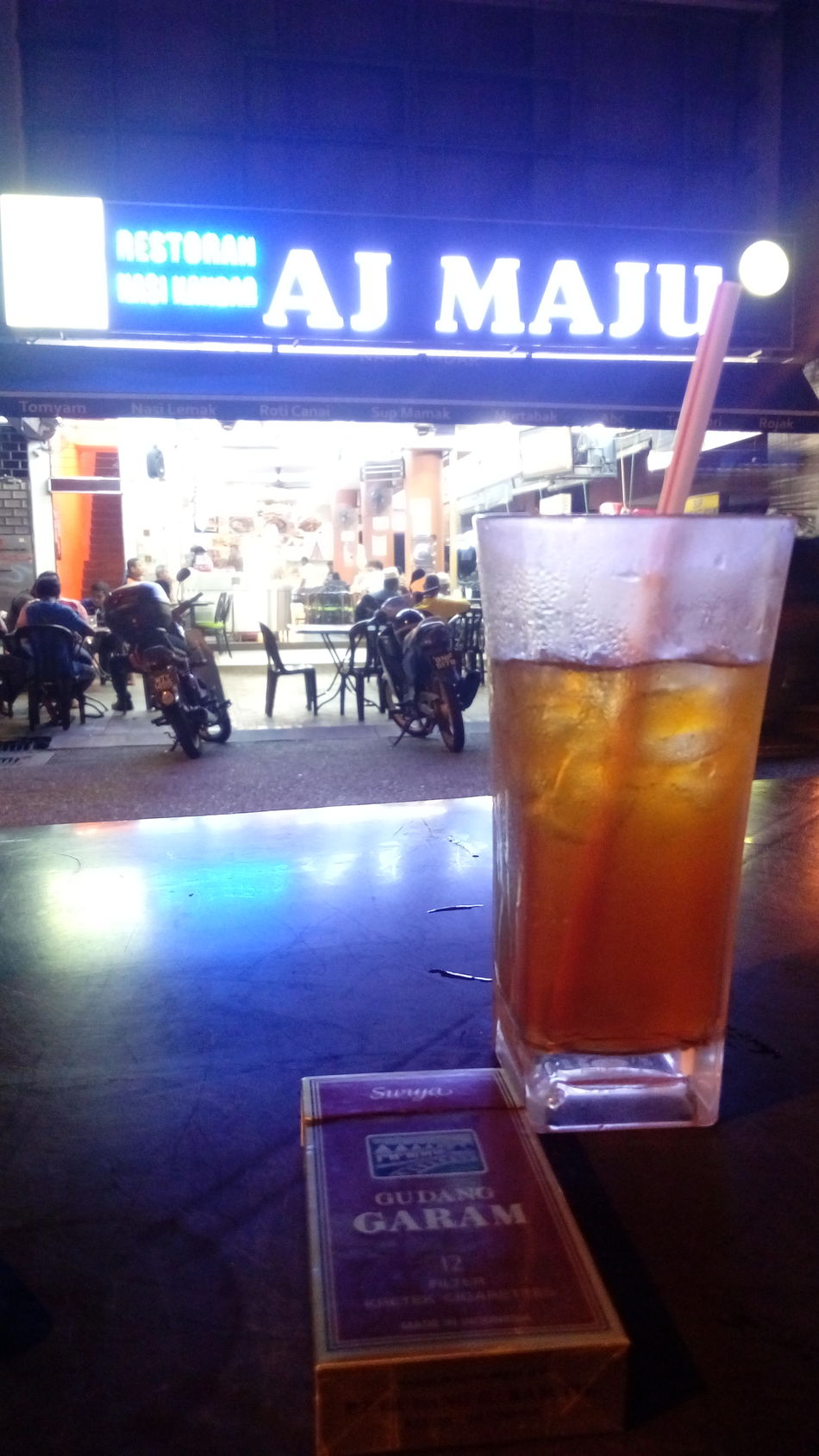 Refreshment Freshness People Nightlife Happy Hour Icetea Surya Kretek Gudang Garam Ciggar