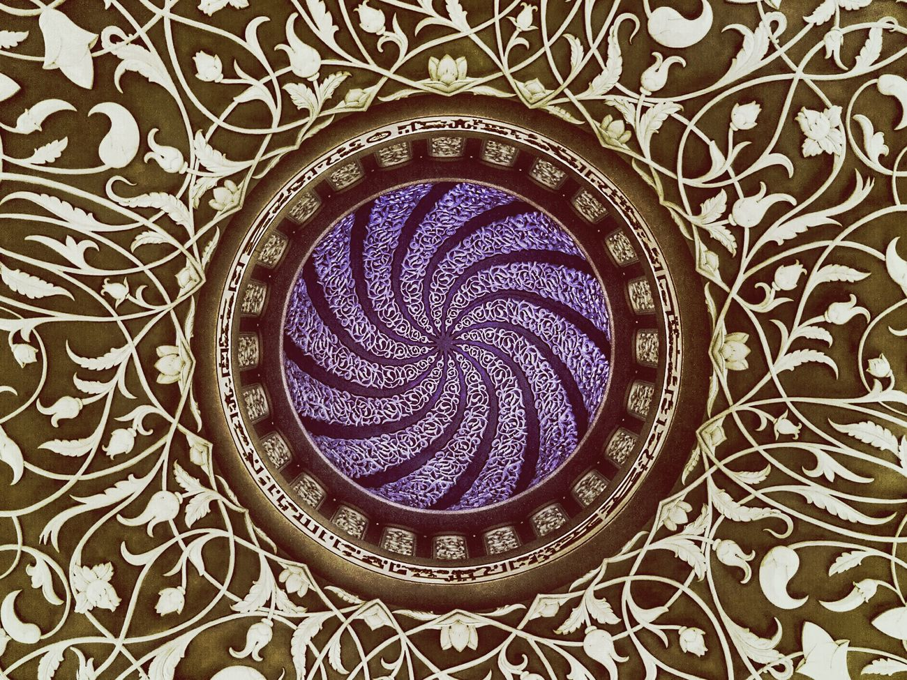 Playing about with some edits Circle Pattern Geometric Shape Directly Above No People Indoors  Close-up Round ELLIPSE Day Architecture Grand Mosque Arabic Architecture Arabic Calligraphy