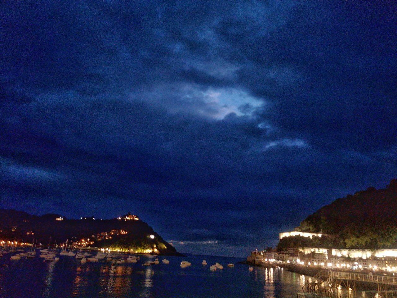 Taking Photos EyeEm Hi! Illuminated Darkness And Light Sea Ships Boats Nightphotography Nightlights City Lights He Visto La Luz I Wish You Were Here Dark Clouds