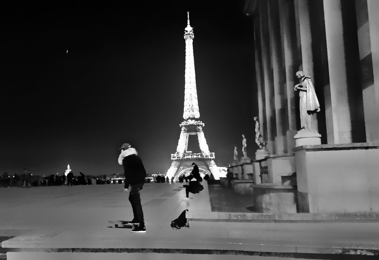 Cultures Travel Destinations Tower City Arts Culture And Entertainment Night Samsung Galaxy S5 Blackandwhite Photography Blackandwhite From My Point Of View Capture The Moment Architecture Tour Eiffel Black And White Black And White City Paris ❤ City Street Skateboard Scenics Effects And Filters