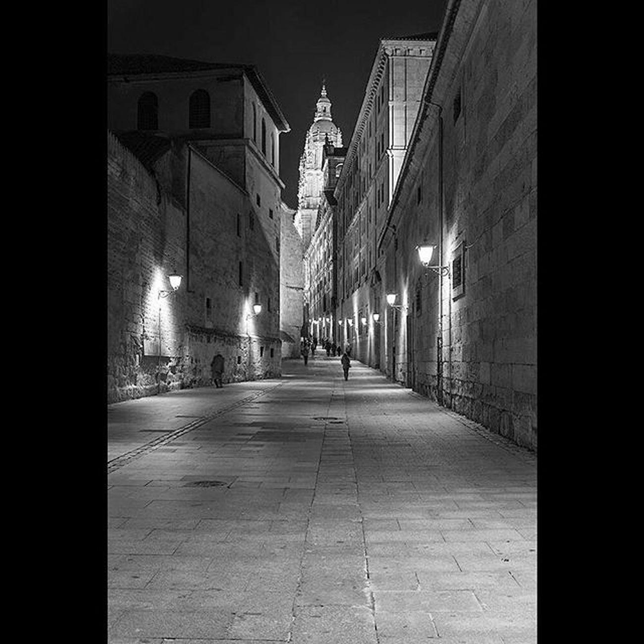Salamanca, Calle Compañía. Salamanca Blancoynegro Blackandwhite Cultural Beautifulcity Nocturna Nocturnal
