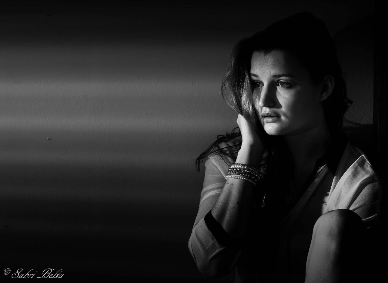 Women Blackandwhite Portrait Filmnoir Munich Lowkey  Speedlite Film Noir Style Sabribenltaiefphotography Black And White Beauty Model Portraits L'angoisse