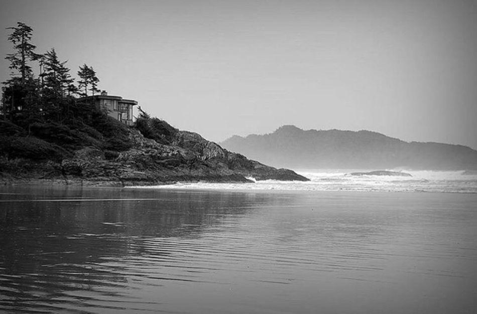 Wild yet Beautiful Tofino Tofino British Columbia Vancouver Vancouver BC Vancouver Island Vancouverisawesome Beach Scenics Sea Wilderness Water Storm Stormy Water Stormy Waves House With A View
