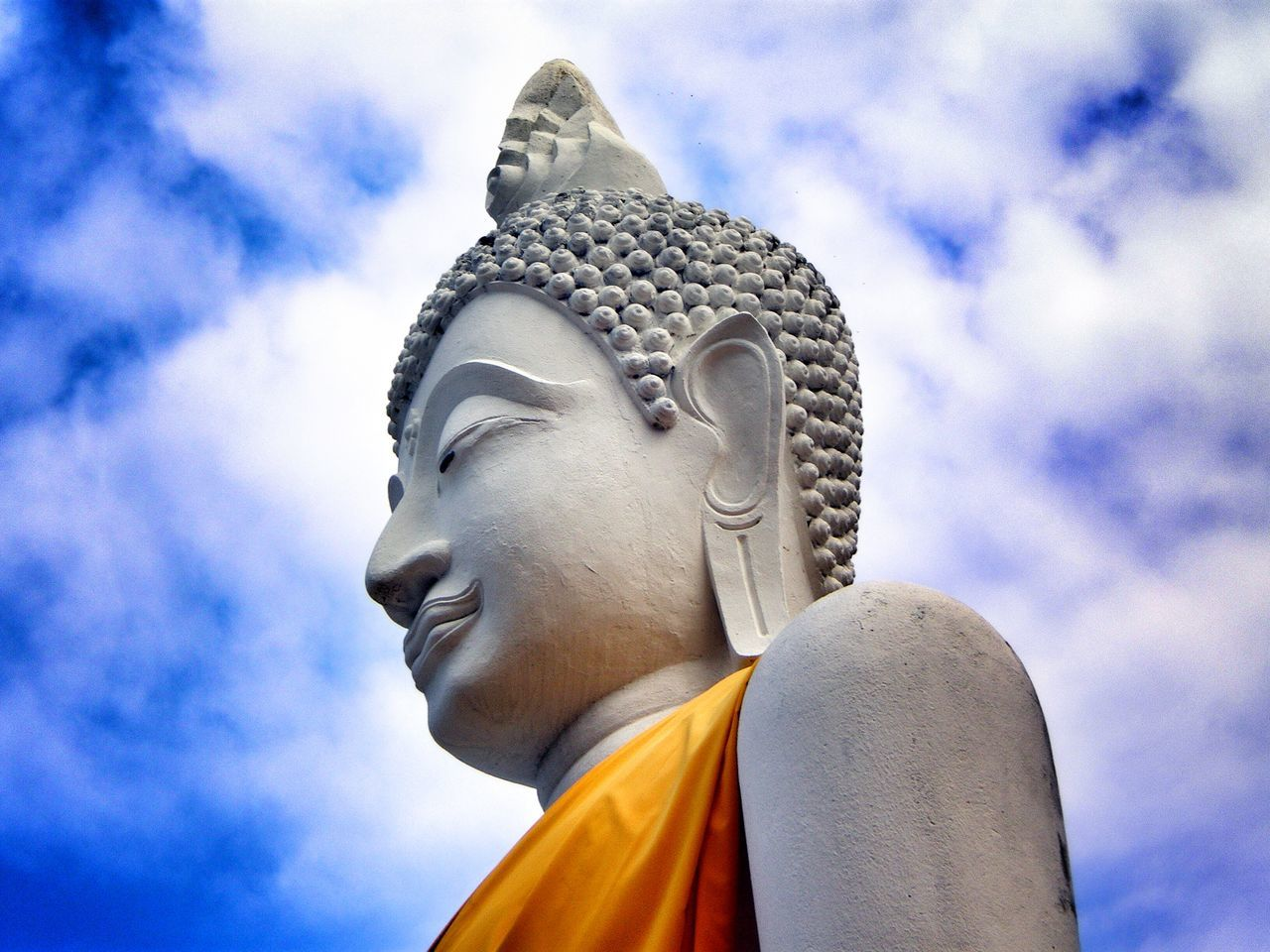 Thailand Buddha Clouds And Sky Sky And Clouds Sky Streamzoofamily EyeEm Best Shots Travel Photography Traveling Seeing The Sights Wat Tha Ton Northern Thailand Spotted In Thailand Blue Wave Buddhism Close-up High Angle View Tourism Religion Temple Cloud - Sky Blue