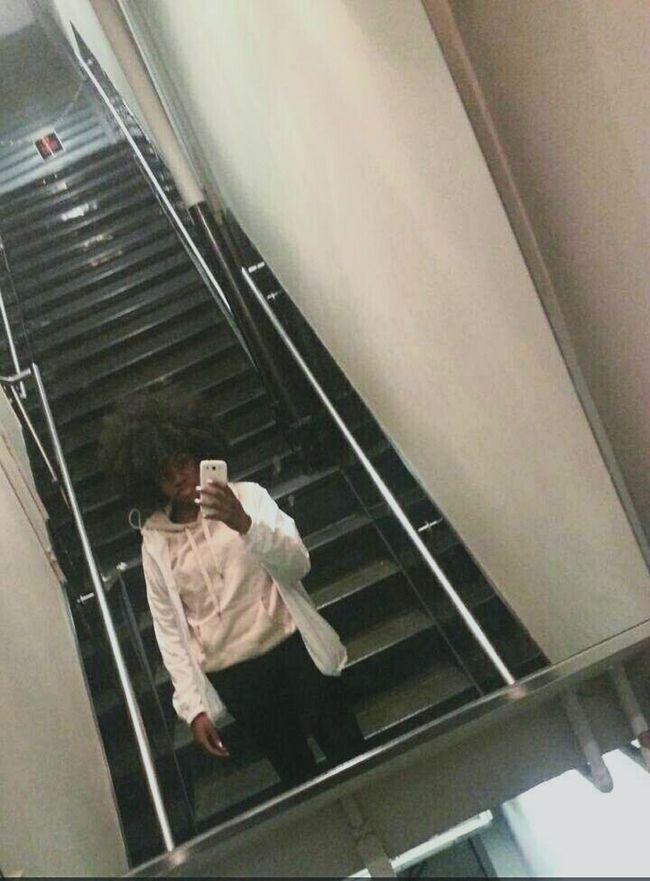 afro so fleeky Winter EyeEm On Fleek Fuckitup Citygirl Bae  Afrosofleeky Brooklyn Newyork Selfie ✌ Beauty Lips Melanin Blackout. NYC Beautiful Atwork Mirrorselfie Mirror Stairs & Shadows Android AndroidPhotography
