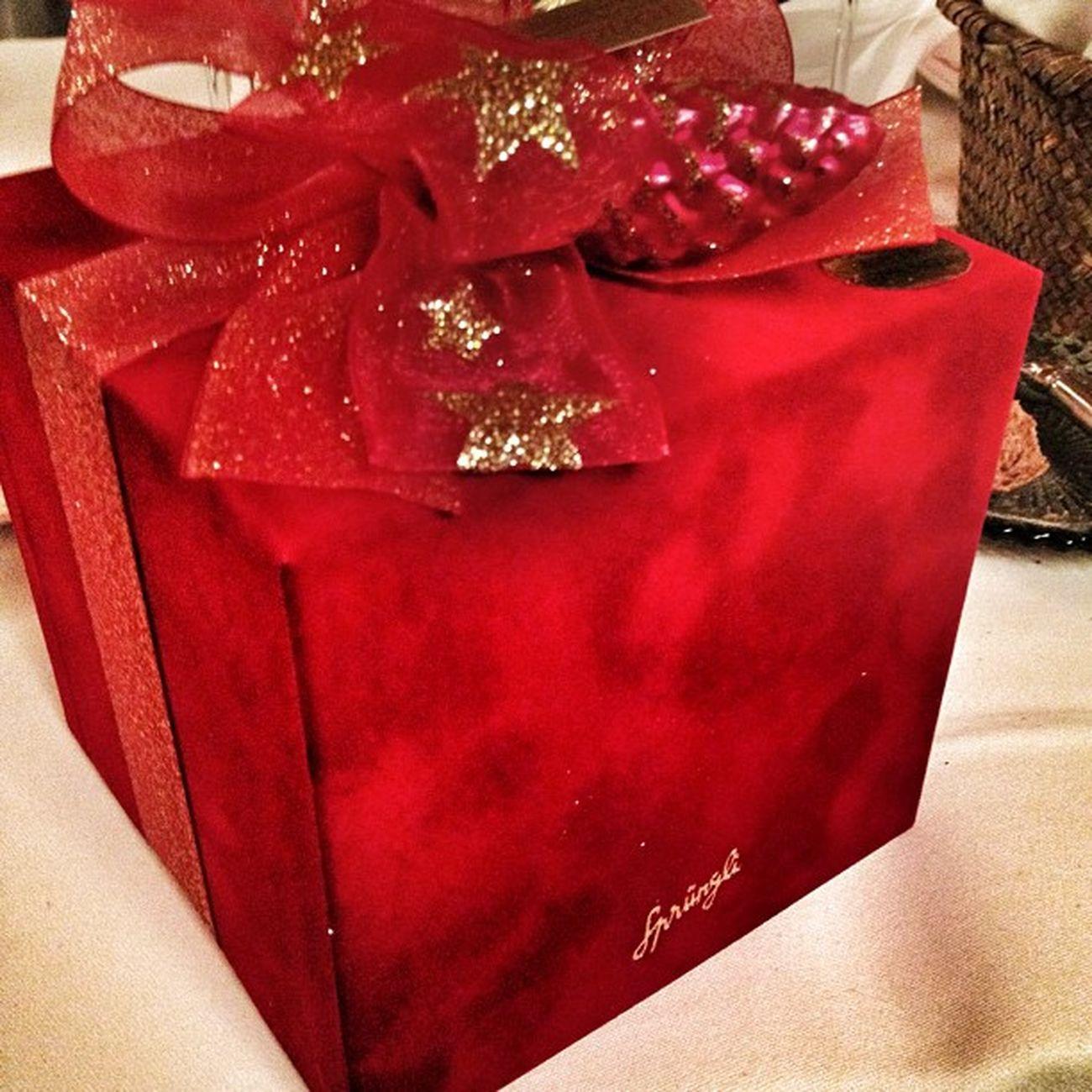 Weihnachtsgeschenk von Sprüngli ...hmmmm