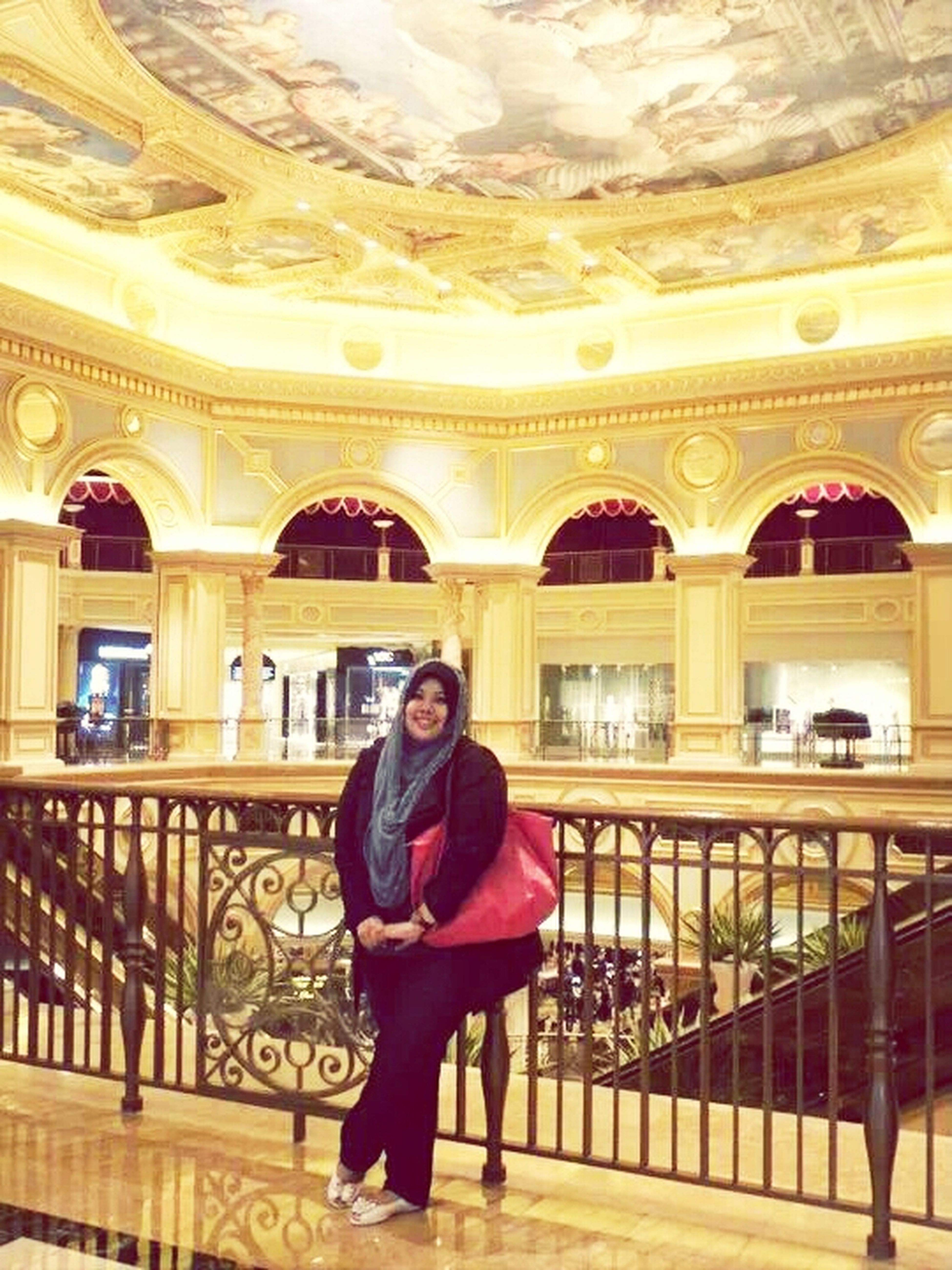 at Venetian Hotel..love the art of this hotel..falling deeply Hotel View Macau Vacation Time Selfpotrait