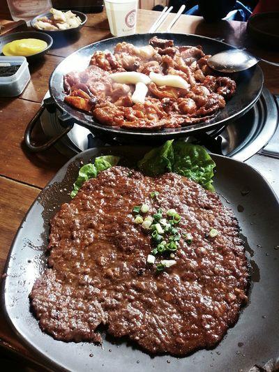 철판쭈꾸미와 불고기. Korean Food