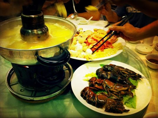 steamboat at Marina Barrage Roof Top by AhNeo