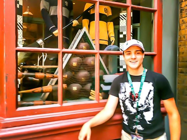Harry Potter expetianced through my eyes, my sons smile says it all . Universal Studios  Orlando Florida , Vacation Time ♡ , Proud Mommy:) I Love Harry Potter