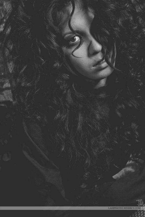 Psnwa MarchMadness Straightjacket Lahphoto Lahphotonwa Curls that curl tho model amanda derheim