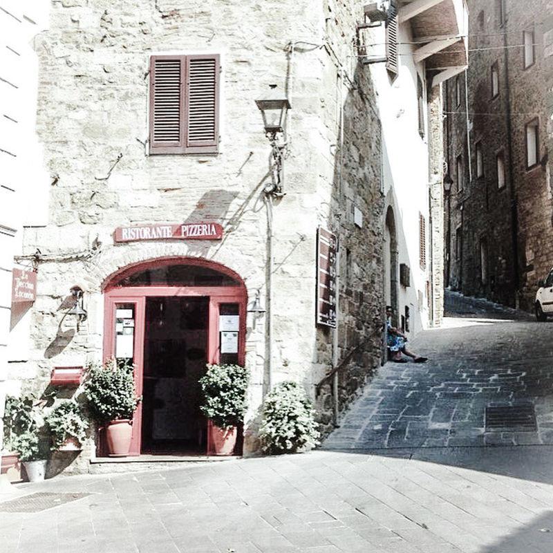 Italy Italia Everyday Lives Ristorante Italiano Hillside