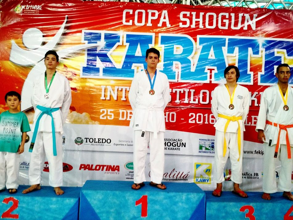 Primeiro lugar no kumote, na 2° etapa da copa shogun de karate. Oss Hanging Out Karate Kumite Karatelife Karateka Karatephoto