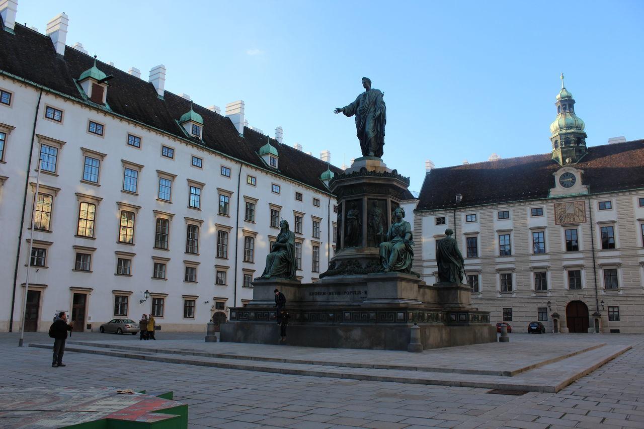 Beautiful stock photos of löwe, statue, human representation, sculpture, art and craft
