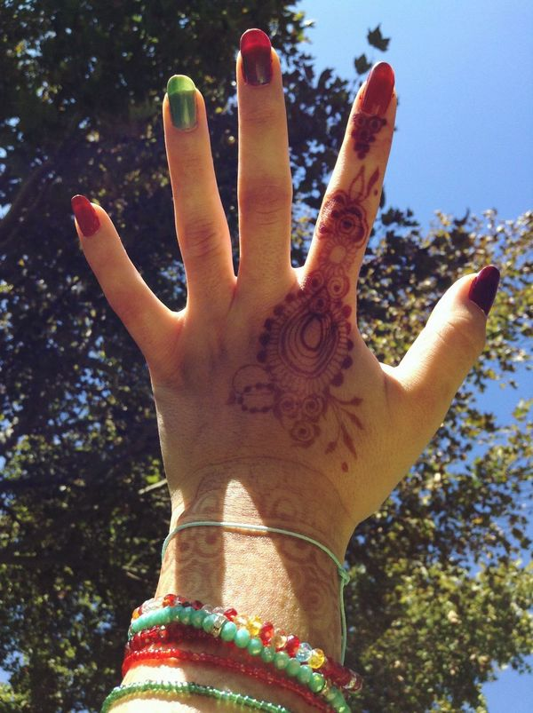 My hand mahendi. Women Lifestyles Outdoors Day Tree Cultures Mahendi Mehndiart MehndiArtist MehndiDesign MehndiHenna Hennanatural