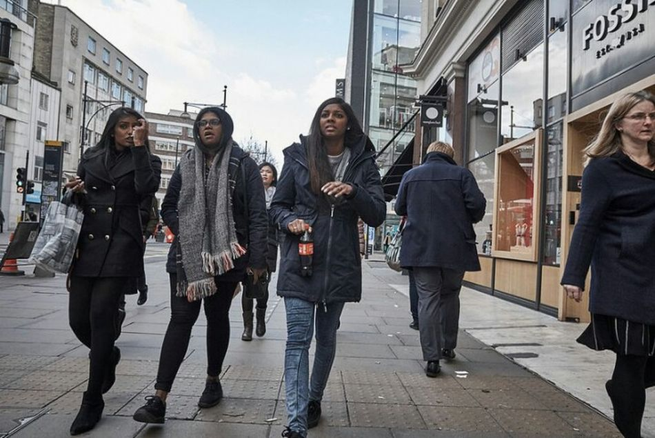 Togetherness Young Women Urban Walking Streetphotographer Sidewalk Streetphotography Outdoors Fitzrovialitter Candidshot Girl Jeans Streetdreamsmag Three Girls LONDON❤ Londonstreets Urban Life Street Photography Candid Photography Streetphoto London Calling London Streets London London London!!! Street Photo Friendship