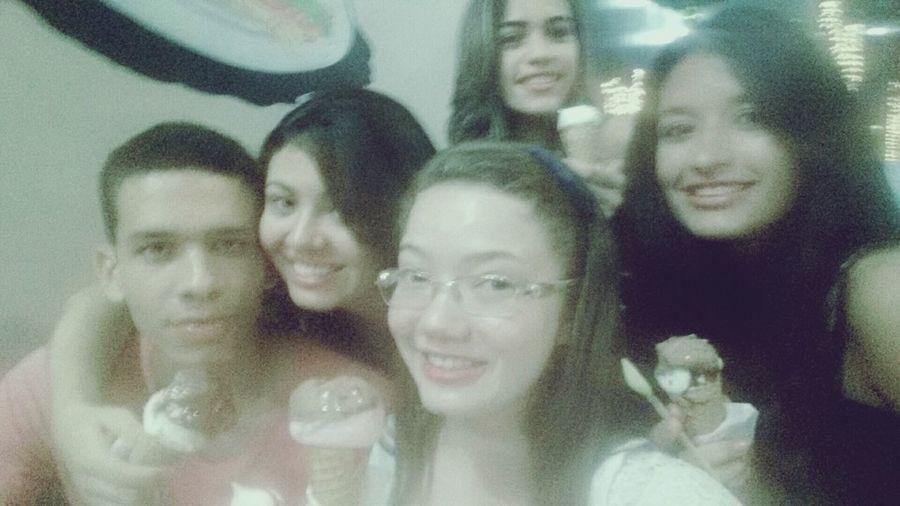 Icecream With Friends ❤ Loveee ♥#reuniãodosprimos